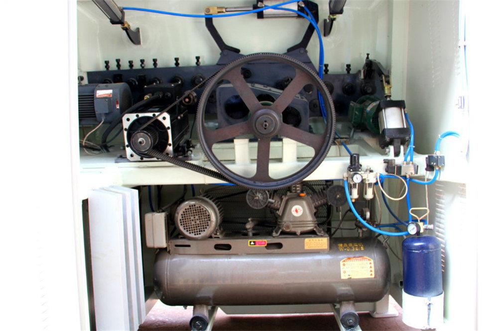 Mesin Tekuk Kawat CNC4